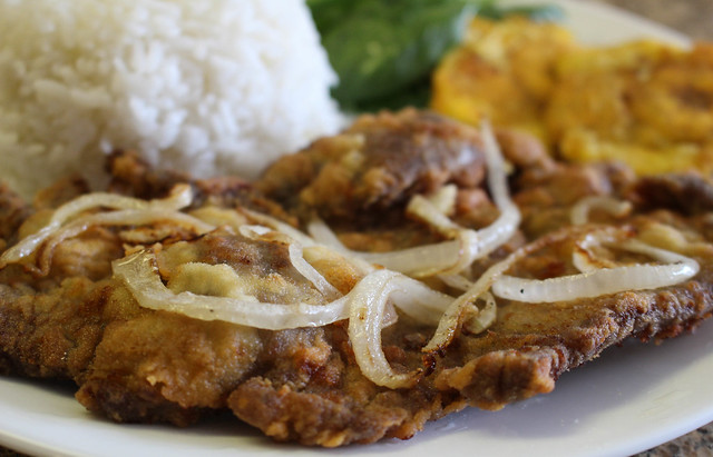 Cuban Breaded Steak (Bistec Empanizado) via HeartofHomemade.com