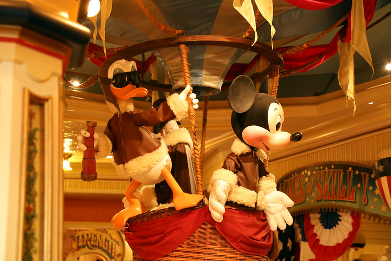 mickey-and-donald-in-disneyland-paris
