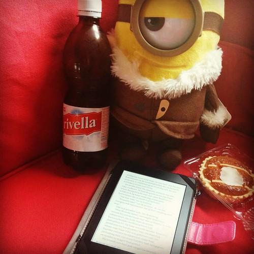 Ideale zaterdagnamiddag. #boekenwurmhappy #minionmania