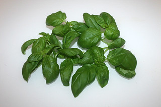 10 - Zutat Basilikum / Ingredient basil