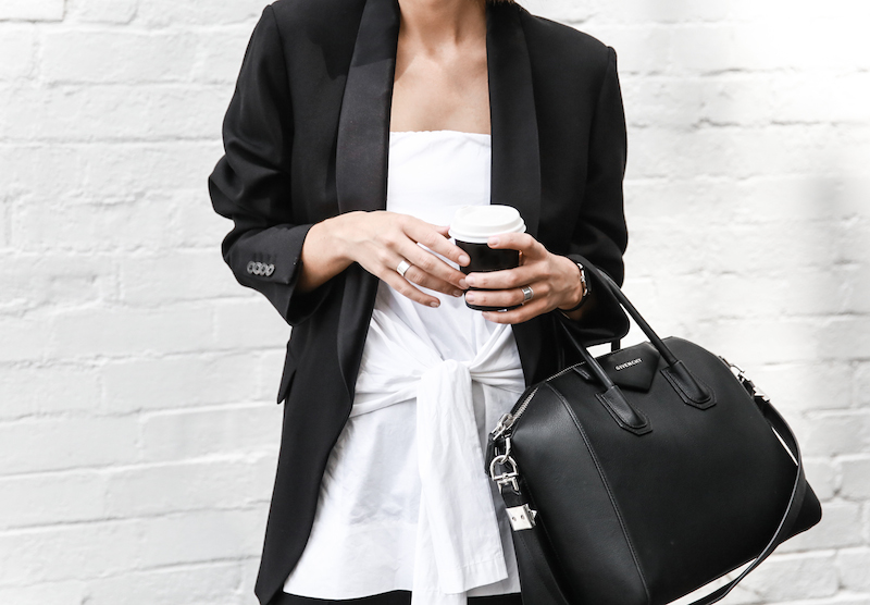 all white street style off duty fashion blogger one top three ways modern legacy farfetch inspo (3 of 13)
