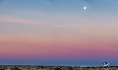 2017 sunrise longbeach pacificocean beachweekend moon family beach ocean pacificcoast washington unitedstates us