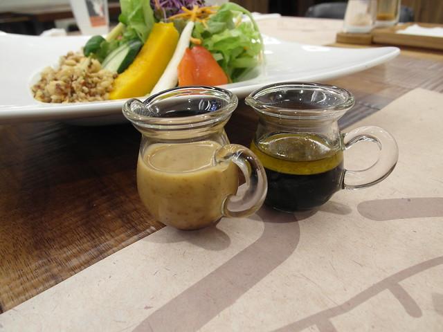 油醋醬與胡麻醬@棉花田有機餐廳