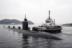 In this file photo, USS Charlotte (SSN 766) prepares to moor at Fleet Activities Yokosuka during a visit there in November. (U.S. Navy/MC2 Brian G. Reynolds)