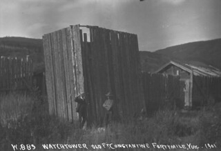 Watchtower at Fort Constantine, Forty Mile, Yukon / La tour de guet du fort Constantine, à Forty Mile, au Yukon