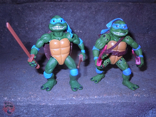 "Nickelodeon ""HISTORY OF TEENAGE MUTANT NINJA TURTLES"" FEATURING LEONARDO - 'MOVIE STAR' LEO iii / ..with Original MOVIE STAR Leo '92 (( 2015 ))"