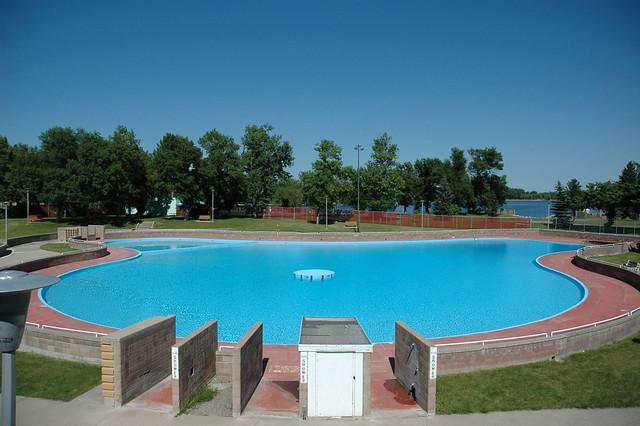 henderson pool