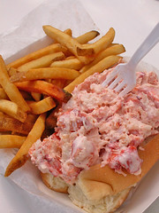 This Is The BEST BEST BEST Lobster Roll Ever