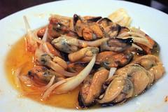 dendrobranchiata(0.0), caridean shrimp(0.0), fish(0.0), scampi(0.0), seafood(1.0), invertebrate(1.0), food(1.0), dish(1.0), cuisine(1.0), mussel(1.0),