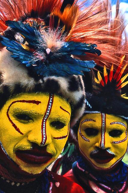 Papua New Guinea - Hulis girls