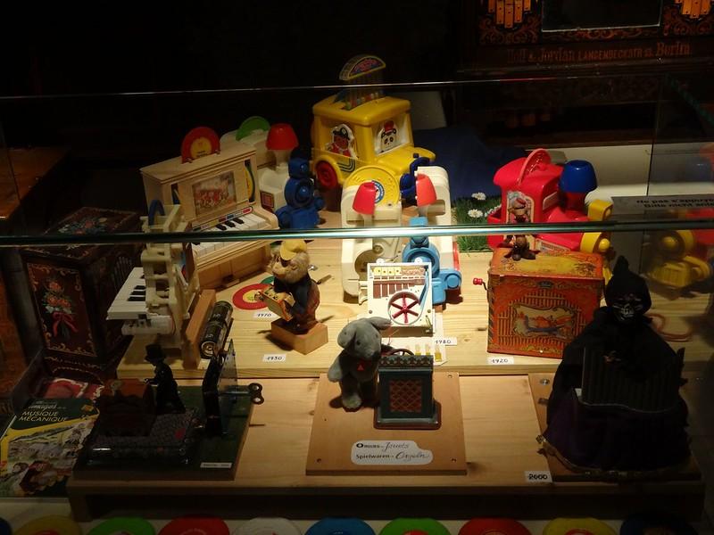 Le muséee suisse de l'orgue (en Suisse)  20954691348_701eeb73ac_c