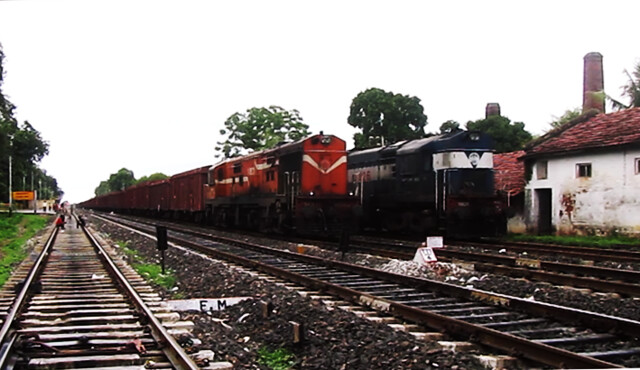 Freight overtake another! NGC ALCo vs ET ALCo