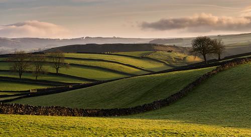 derbyshire whitepeak peakdistrict drystonewalls limestone fields light shadow winter countryside farmland