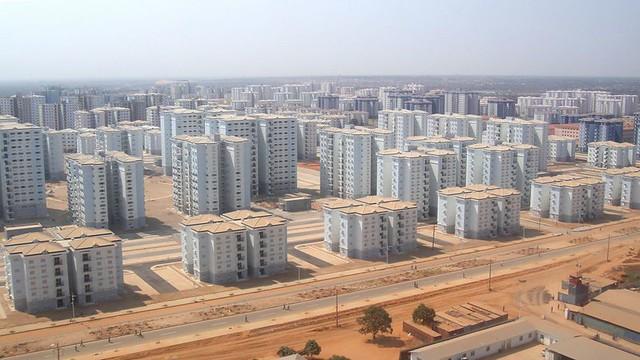 China Builds Africa (Kilamba, Angola) [834x469]