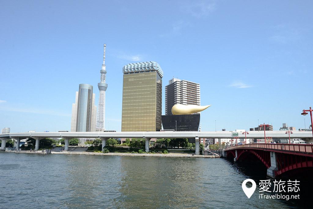 《东京游船体验》搭乘东京水上观光汽船,游览隅田川水岸的城市风光。