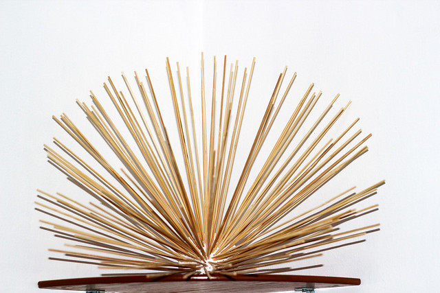 Sea-Urchin-shelf-decor,Urchins, sea urchins, sea urchins diy, home décor, wall décor, sea urchin diy project, bamboo skewers