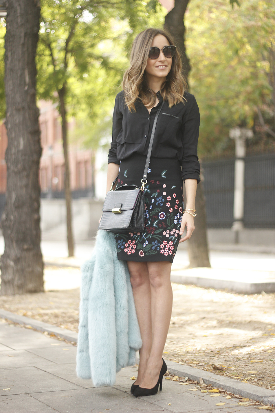 black skirt with flowers outfit06