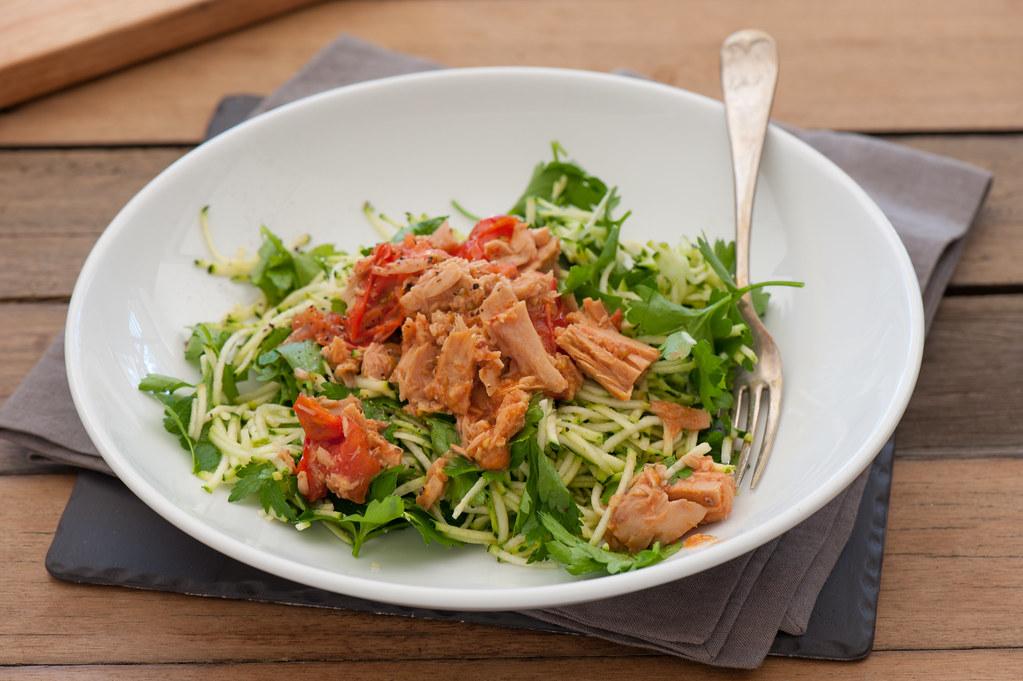 m1. tuna, tomato & zucchini salad-2