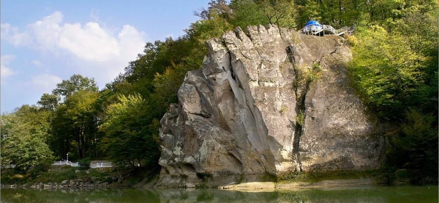 В Горячем Ключе открыли триумфальную арку в честь геологов-первопроходцев Кавказа