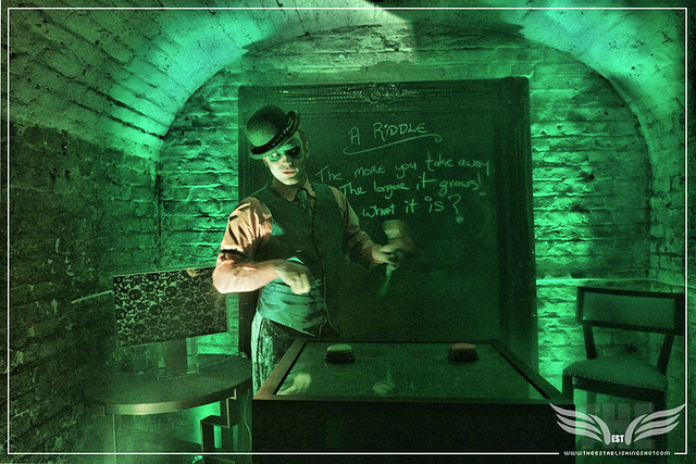 The Establishing Shot: RIDDLE ME THIS WITH EDWARD E. NIGMA AKA THE RIDDLER AT THE ROGUES GALLERY - CREATION OF A   SUPER-VILLAIN BOOK LAUNCH @ THE CRYPT GALLERY, LONDON - OCT 2015