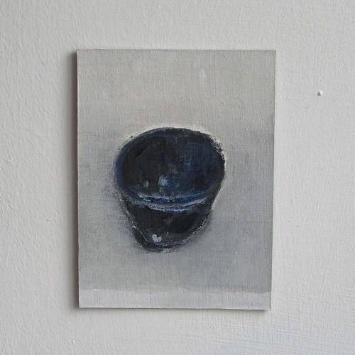 dark blue tea bowl