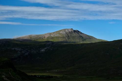 greatbritain mountain sunrise scotland highlands grassland morningsun assynt scottishhighlands inchnadamph canisp