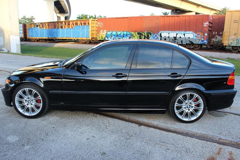 2004 BMW 330i ZHP Sedan Schwarz 2 Black / Black Interior