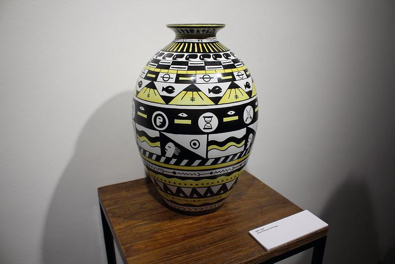 """Vase, 2015, Grems x Faïencerie Saint-Georges - """"Johnny Clegg"""" à l'Espace Oppidum, Paris"""
