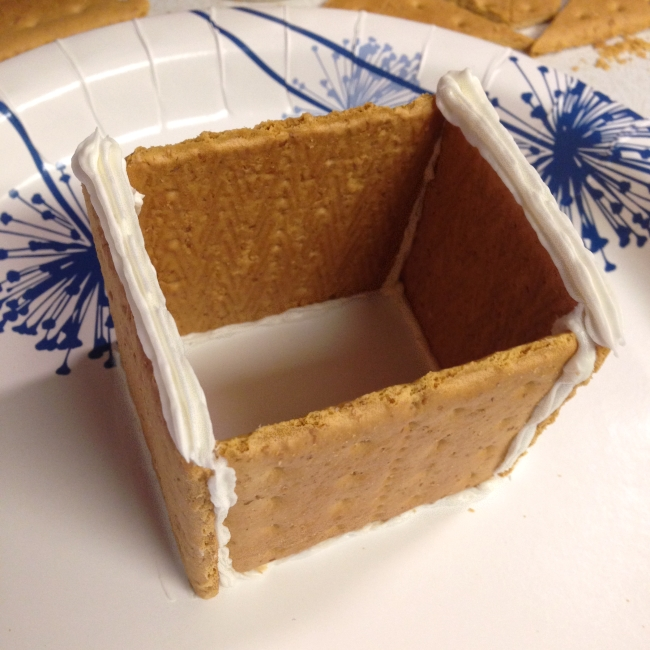 'Gingerbread' house step-by-step, 5