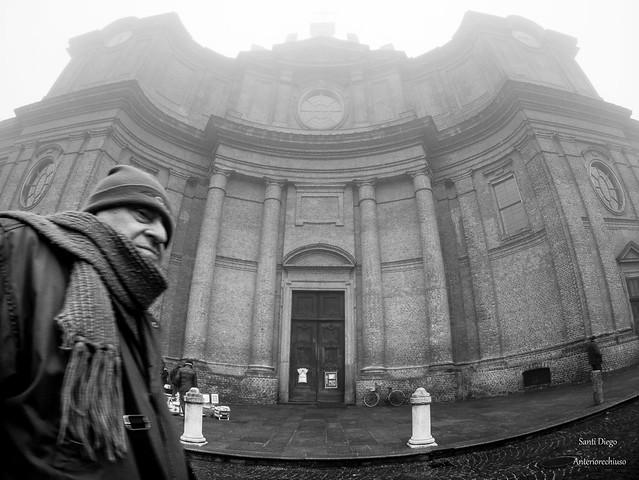 Duomo ed uomo di Carignano