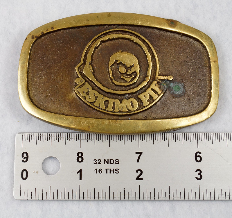 RD15316 Vintage Eskimo Pie Brand Brass Belt Buckle Advertising DSC09219