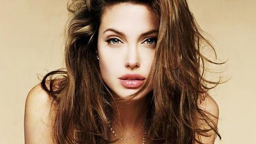 07-Angelina Jolie