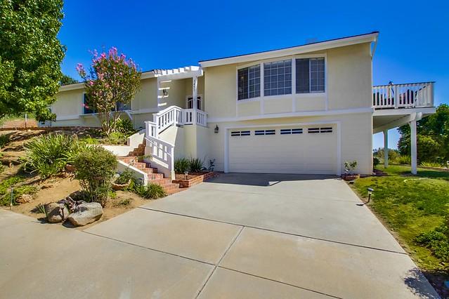 1451 Hollyhock Avenue, Escondido, CA 92027