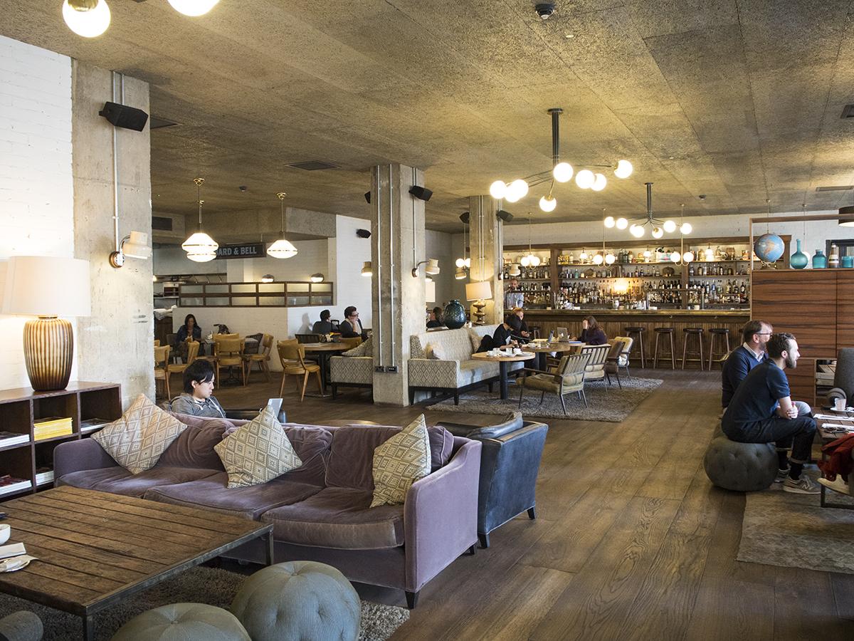 lounge-dining-area-hoxton-hotel-holborn