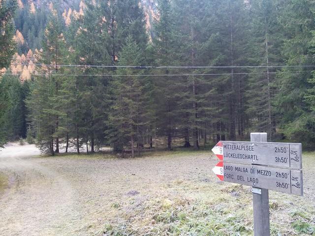 Start im Höhlensteintal, Markierung Nr. 9 folgend
