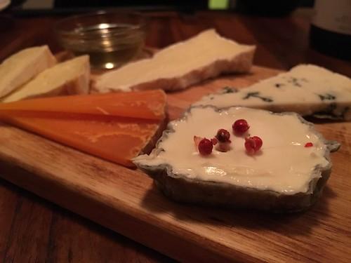 チーズの盛り合わせ5種@ビストロブルー