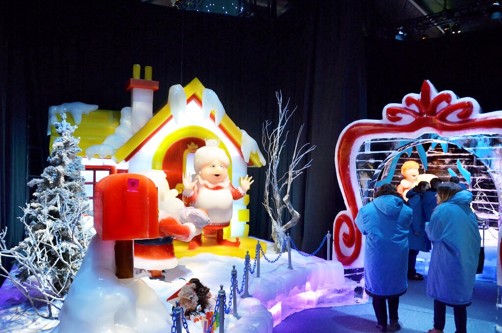 Christmas On Ice.Celebrating Christmas On The Potomac At Gaylord National In