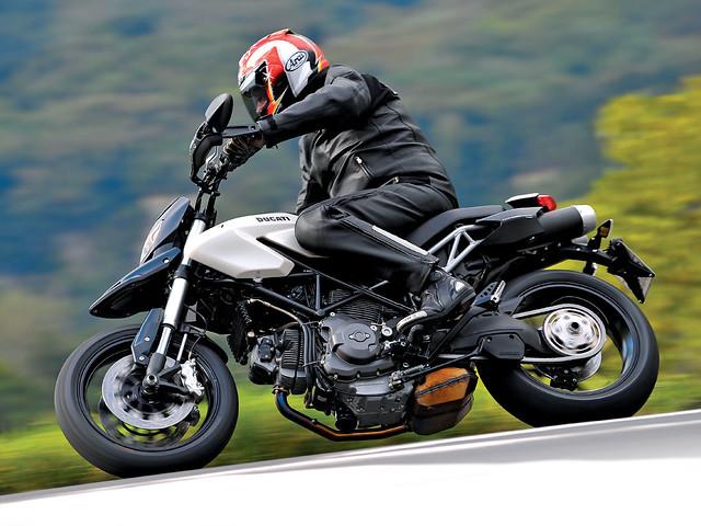 Супермото Ducati Hypermotard 796