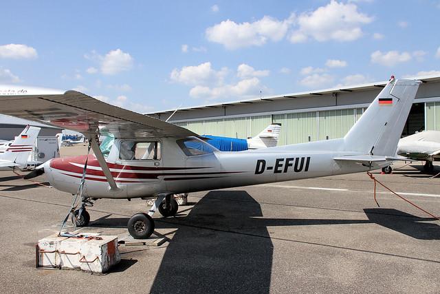 D-EFUI