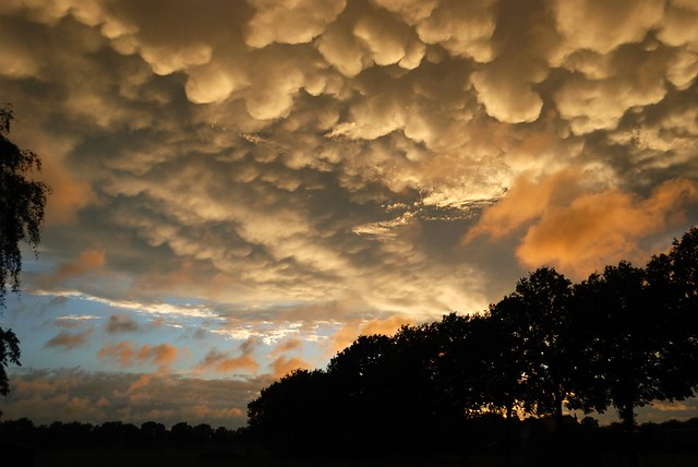2015-09-16 Mammatus clouds over Lintelo, The Netherlands