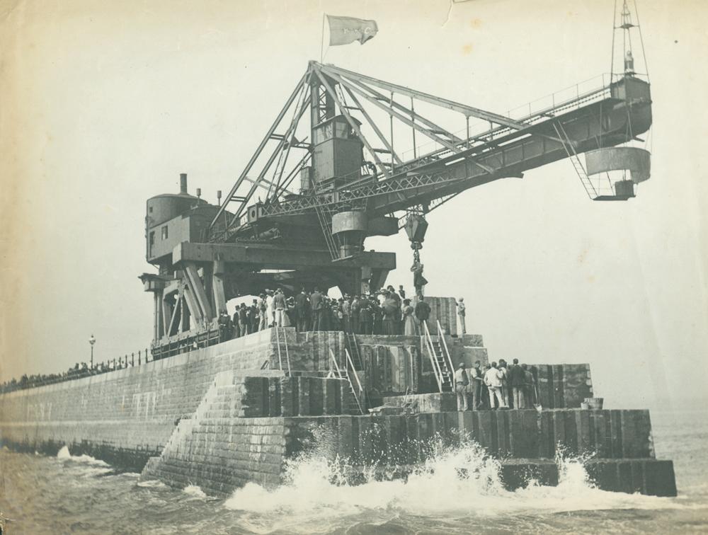 Dignitaries assembled on Roker Pier, 1895
