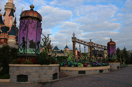 Fantasyland Castle Stage is ready for Halloween