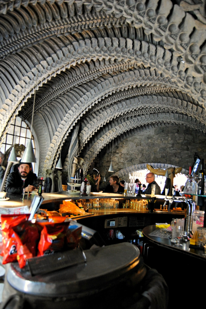 HR Giger Bar (07)