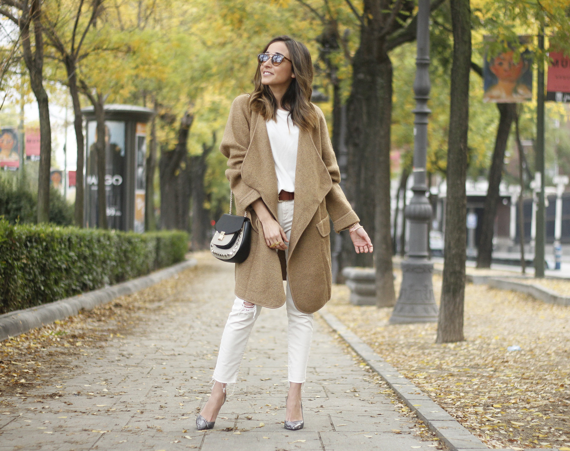 Camel Coat sheinside white outfit heels uterqüe purse outfit06