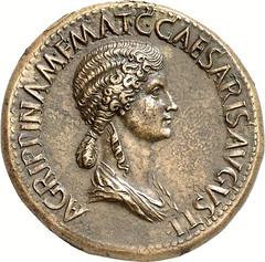 Sestertius_Agrippina_obv