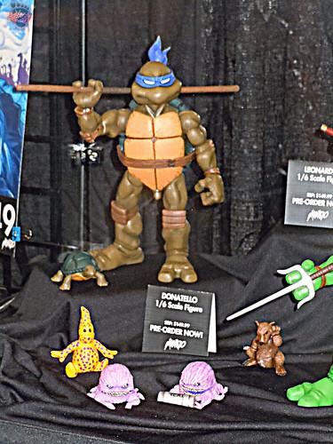 MondoCon 2015 :: Toy Display; TMNT 1/6 figures - DONATELLO