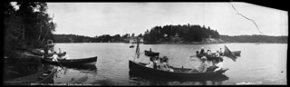 Boating at Summit House, Port Cockburn, Lake Joseph, Muskoka Lakes, Ontario, 1902 / Navigation de plaisance à Summit House, sur le lac Joseph (lacs Muskoka, Ontario), 1902