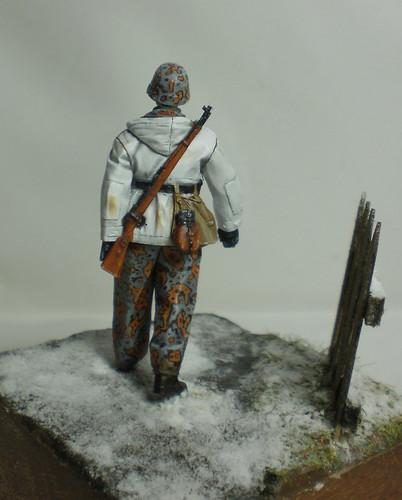 WSS Grenadier Late War - Alpine miniature - 1/35eme - Peinture a l'huile - Page 2 23200932019_ce460ba09d