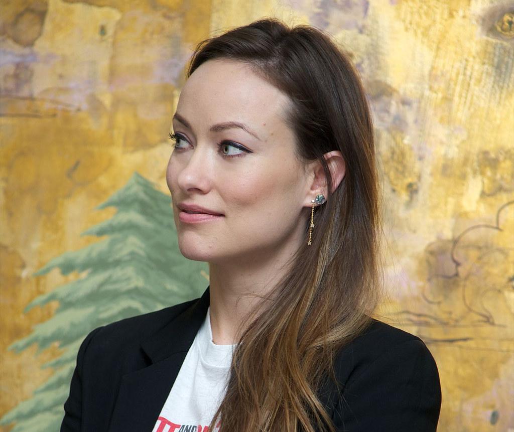 Оливия Уайлд — Пресс-конференция «Винил» 2015 – 7