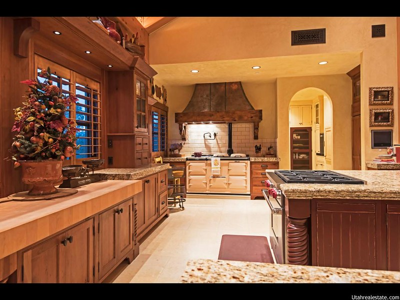Кухня в элитном доме